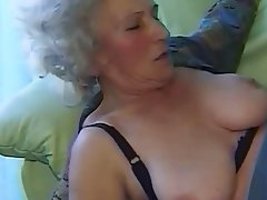 Granny Amateur Blowjob Hairy Old and Young